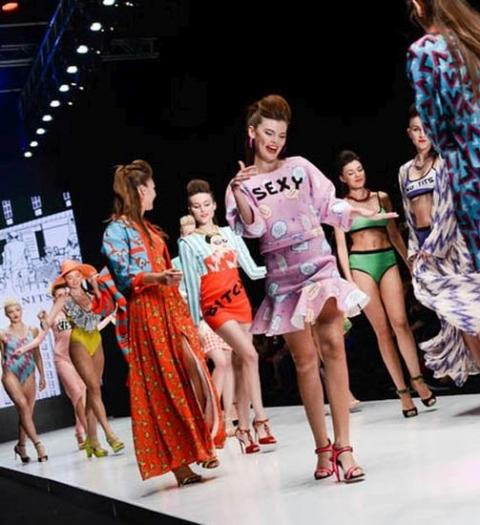 Прямая трансляция показов Mercedes-Benz Fashion Week Russia