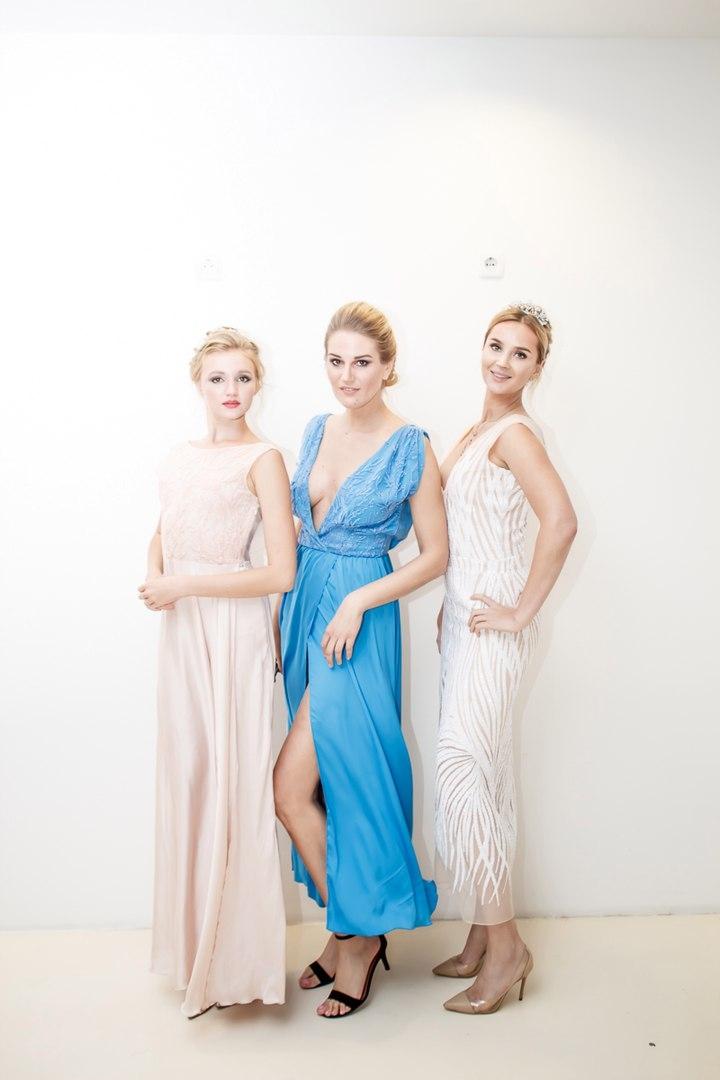 На девушках платья Татьяны Затолокиной