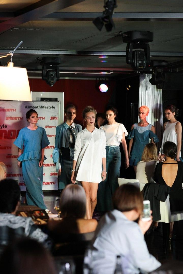 Модели в нарядах дизайнера Нелли Волошиной
