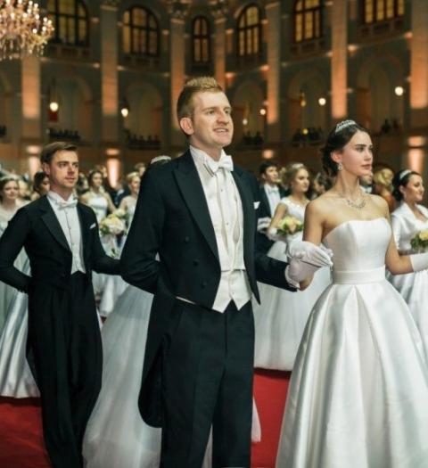 Эксперт по стилю Александр Белов дебютировал на Венском балу и рассказал о внешнем виде гостей