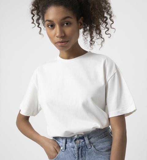 Белая футболка 2020