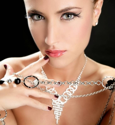 Киберпонедельник в АДАМАС: специальные цены на 700 ювелирных украшений