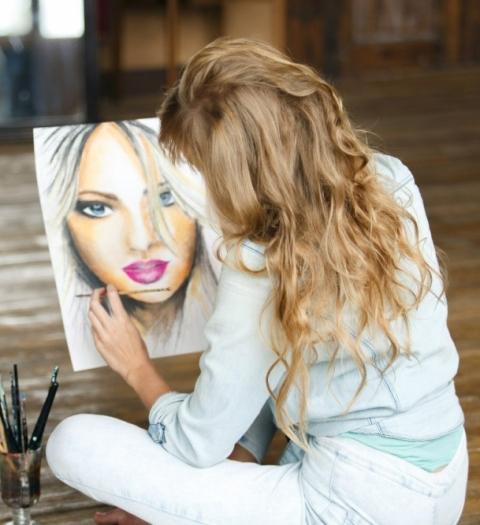 Селфи рукой художника