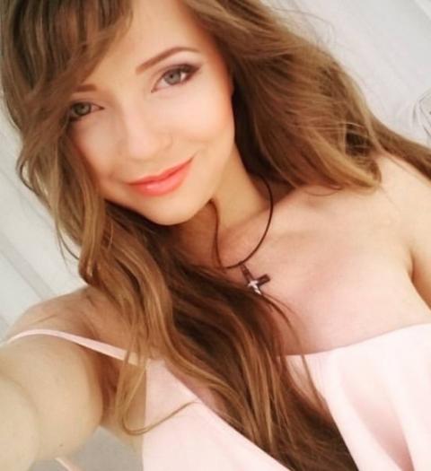 Как модель стала популярным ютуб-блогером