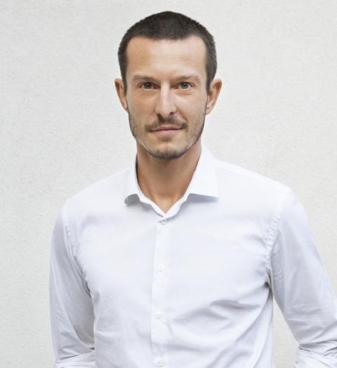 Джонатан Сондерс
