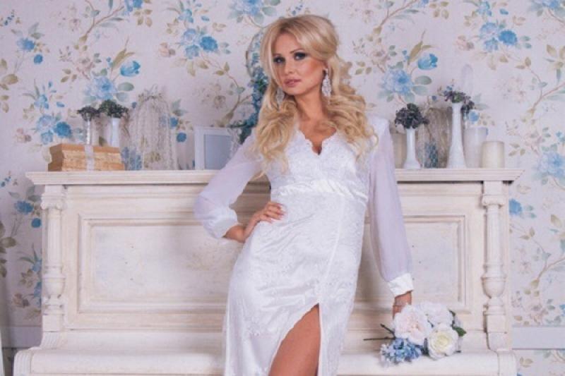 Новая позитивная коллекция от Марии Богатыревой – это платья насыщенных цветов