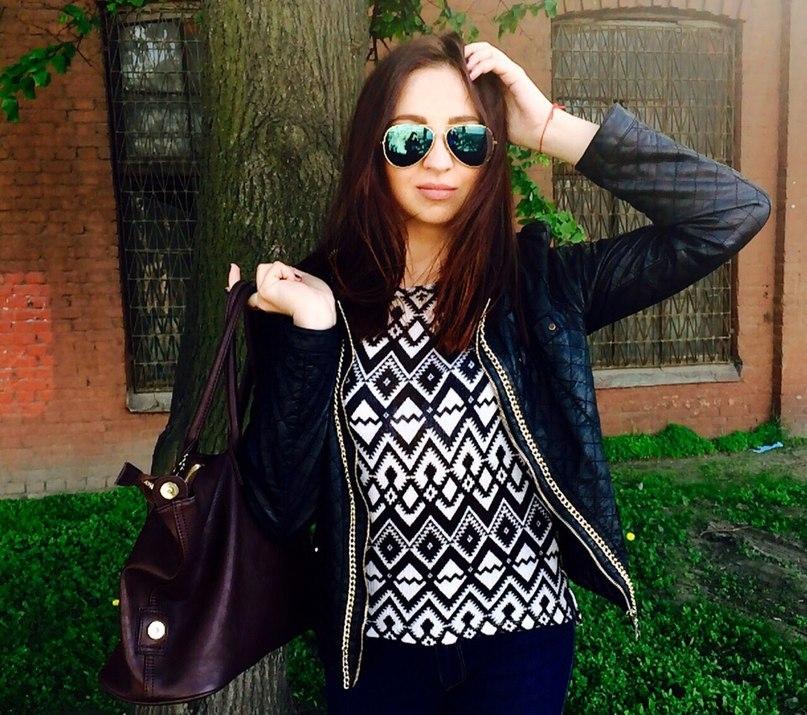 Oxana. Певица.